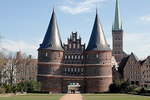 Lübeck_Holstentor_070311